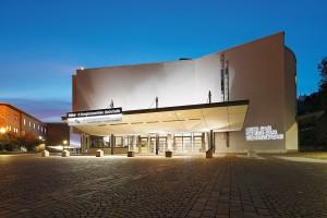 Stuttgart-Hegel-Saal Haupteingang Abend