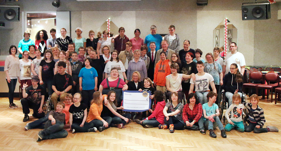 Lions Club spendet 6.500 Euro an Patsy und Michael Hull Foundation